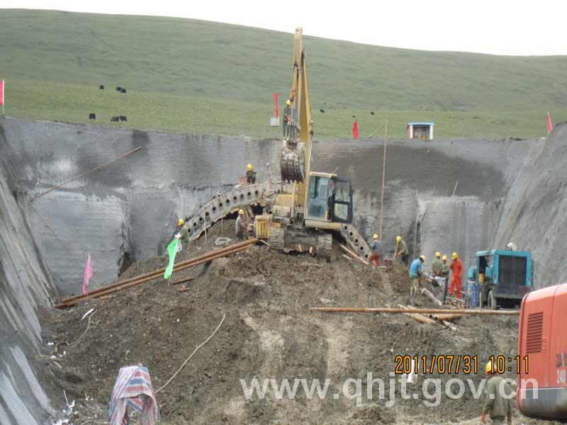 青海省共和至玉树公路雁口山隧道,通天河隧道已进入施工阶段,现已