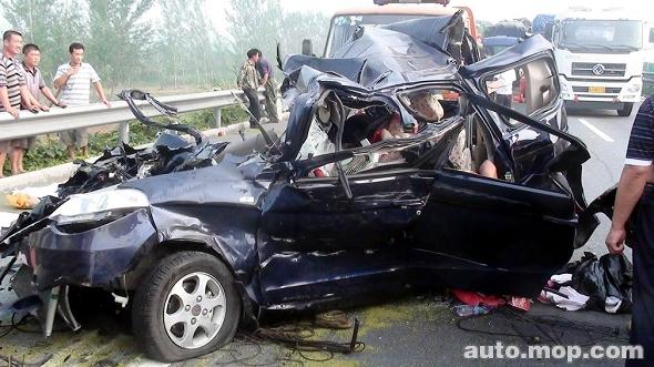 京沪高速连续发生4起车祸 7死10余伤