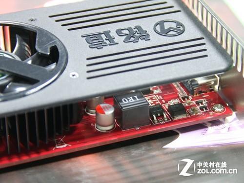 正文    散热方面,hd6570巨无霸采用新款静音散热器,搭配智能温控调速