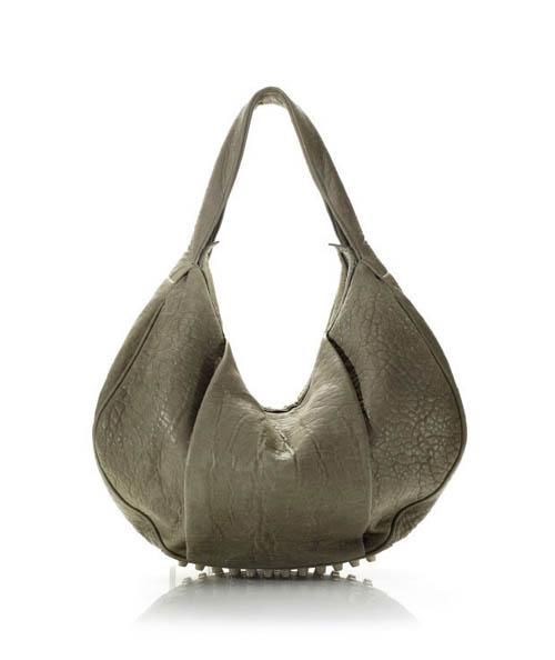 奢侈品 正文    多麽实用又招人爱一个系列啊,包包下面可爱的小锯齿