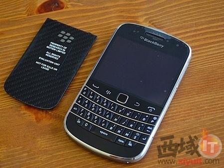 经典完美融合 黑莓 9900港版售4150元