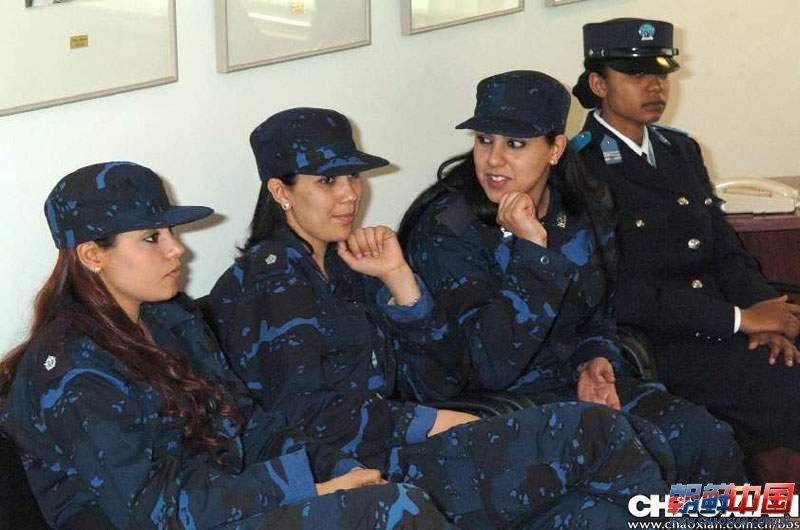 组图:曝光卡扎菲身边的那些女人们 新闻频道