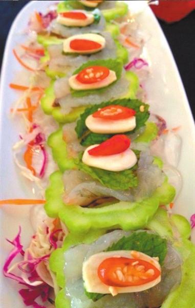 诱人 东南亚/青木瓜沙拉、冬阴功汤、紫苏炒肉碎、烤猪颈肉、柠檬虾