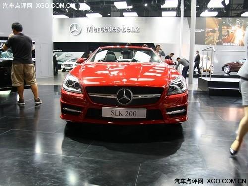 在内饰方面,奔驰公司对新款进口奔驰slk200的内饰进行了彻高清图片