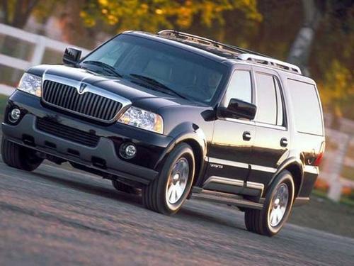 林肯领航员是林肯品牌旗下的全尺寸SUV,近乎3吨的整备自重...
