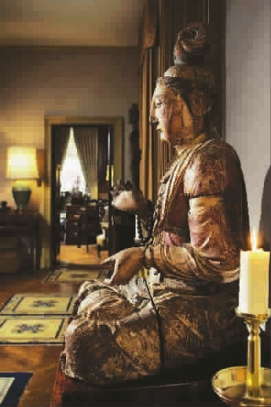 这尊宋金时期木雕彩绘菩萨座像是安思远年少时购入的