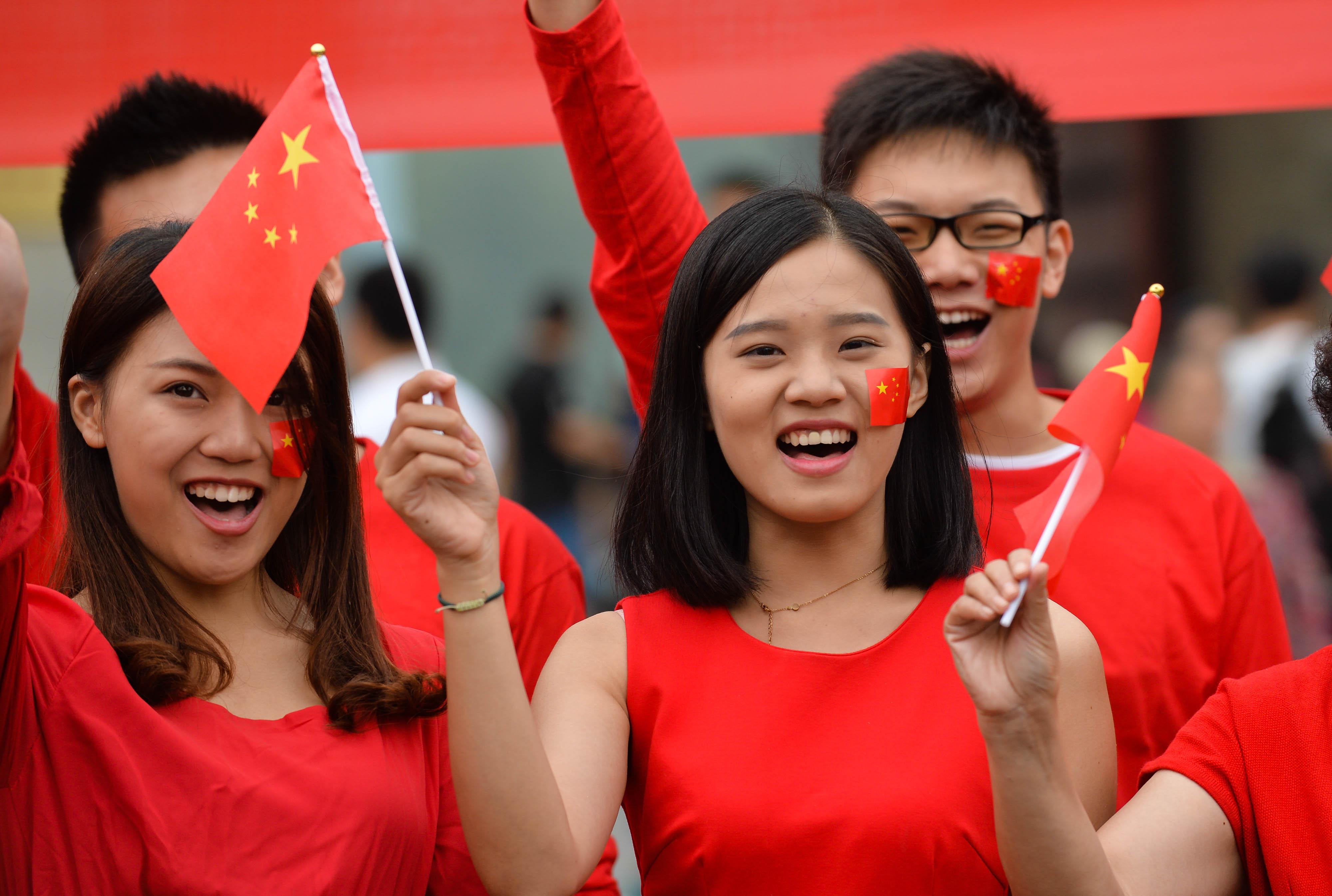 红旗飘飘高清图片