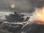 韩军在半岛东西部海域进行射击演练